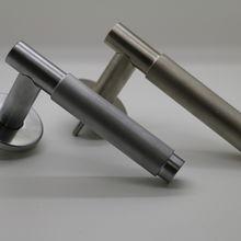 satin chrome/satin nickel knurled grip